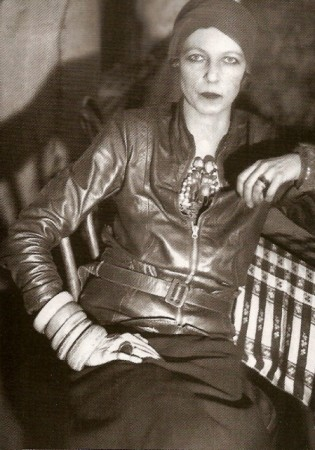 Nancy_Cunard_(um_1928).jpg