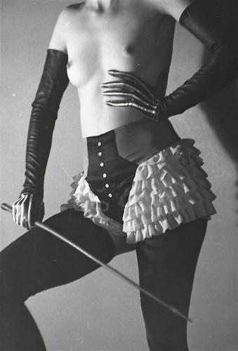 roger-schall-etude-publicitaire-pour-de-la-lingerie-diana-slip-lingerie-advertisement-for-diana-slip-1933-22.jpg