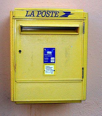 330px-Boîte_aux_lettres_1990.jpg