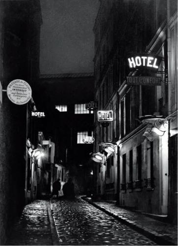 passage-clichy-brassai-1930-1932.png