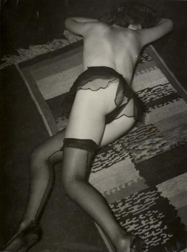 brassac3af-fille-dans-un-hc3b4tel-de-passe-rue-quincampoix1932.jpg